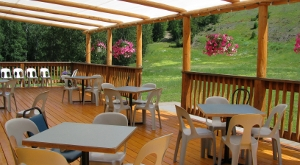 Lodge - Outdoor patio